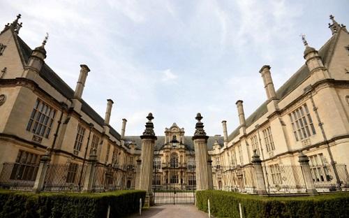 Đại Học Oxford lộ danh sách 500 sinh viên nhận học bổng vượt khó