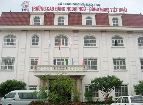 Trường Cao đẳng Ngoại ngữ – Công nghệ Việt Nhật bị cấm tuyển sinh
