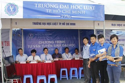 Đại Học Luật TPHCM buộc thôi học gần 200 sinh viên