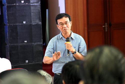 Các đại biểu nêu ra những khó khăn trong quá trình tuyển sinh năm học 2016-2017. Ảnh: Thanh Tâm.